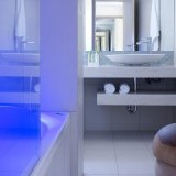 sireneblue_deluxe_suite_bathroom
